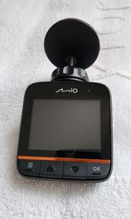 放99% 新Mio388 1080P 車cam(鏡頭已加夜間cover, 增強夜間拍攝效果) , 機身,屏幕及鏡頭完全冇花,操作正常,因為換左前後cam才出售