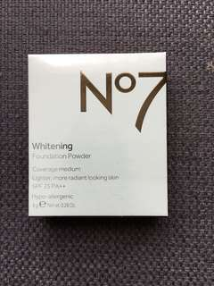 BOOTS NO7 WHITENING PRESSED POWDER IN PORCELAIN