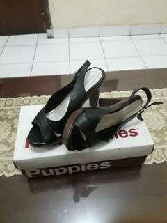 Sepatu Hush Puppies hitam
