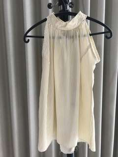 Halter neck with yellow stripes