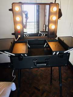 Makeup case trolley