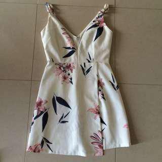 White floral dress size 6