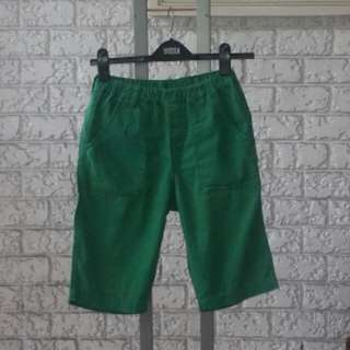 Uniqlo Long Cotton Shorts For Kids Size XL