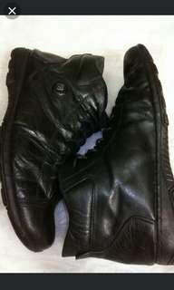Sepatu boots BALLY