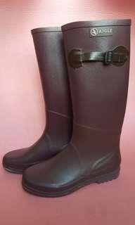Aigle 紫色長筒水鞋
