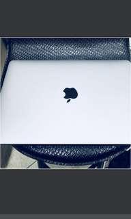 MacBook Pro 256g 沒有觸控條