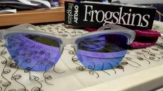 Oakley Frogskin Matte Lite太陽眼鏡