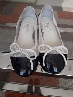 Chanel lace ballet flat