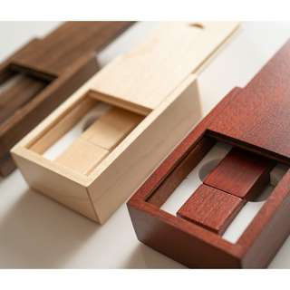 16Gb wooden Thumbdrive with box