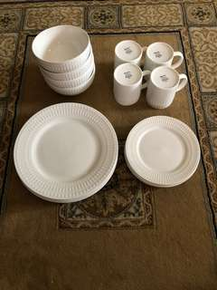 16 pcs White Embossed Dinner Set