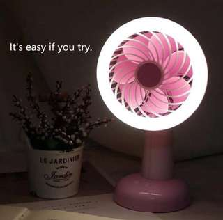 Moving head fan USB charging desktop fan 2 Desktop shaking head mini charging fan-intl