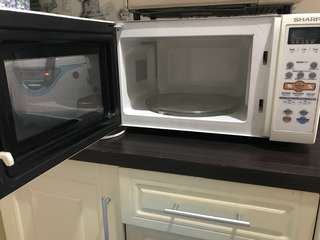 sharp microwave oven R- 268r (w)