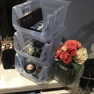 3 storey Storage containers for makeup or stationery