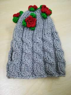 Babies knitted hat
