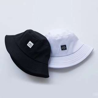 e03b4bd7b61  PO  ulzzang square smiley bucket hat