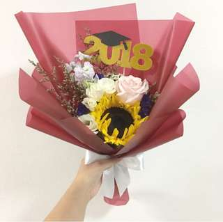 Sunflower with Mix Flowers for Graduation Bouquet includes 2018 topper / Cake Topper