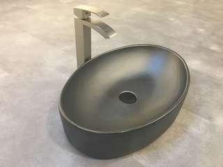 Table top basin and mixer set