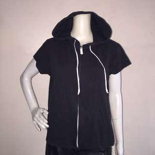 ST JOHNS BAY black hooded zippered short sleeves tee large