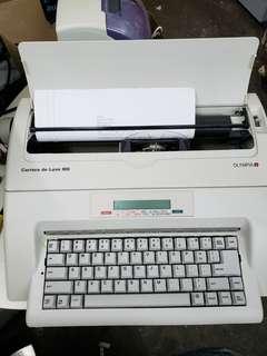 Olympia Carrera De luxe MD 打字機