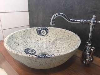 Vintage basin set