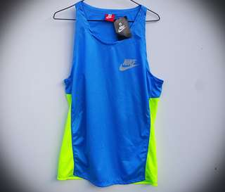 FREE POST - BNWT Nike Running Top M