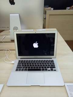 Kredit Macbook Air 11 inch STOK TERBATAS!