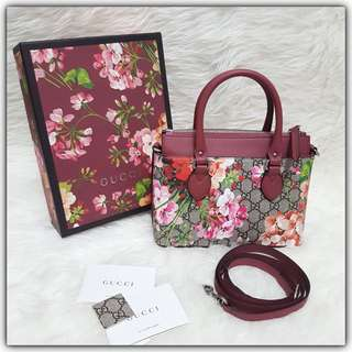 BNIB Gucci Mini GG Blooms Tote #guccibags#guccimini#ggbloomstote#ggblooms#instalike#instagood#authentic#authenticbag#secondbranded