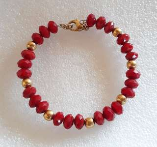 Wine-Red Crystal beads Gold stainless balls wire bracelet