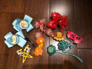 Lot 1 girl's hair accessories