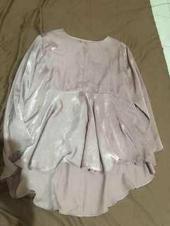blouse glossy