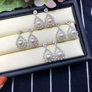 這款衆多美女明星都戴過的款,925銀➕8mm akoya海水珍珠鑲嵌的水滴形耳環。😍 💰💰特惠只要xxx,歡迎咨詢訂購😊
