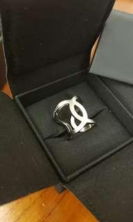 【現貨全新全配】Chanel 櫃上缺貨款CC LOGO戒指 戒圍52 新款盒子18刻印
