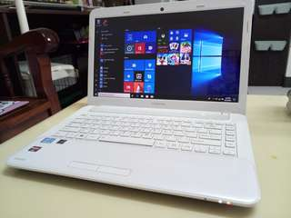 Toshiba i3/4Gb/640Gb hdd/win10/14.5inch/2Gb Gaming