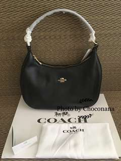 Ready stock: Coach Harley East/West Hobo in Pebble