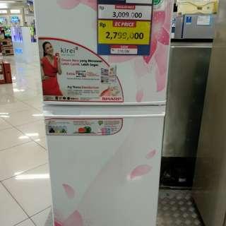 Kulkas Sharp 2pintu bisa dicicil tanpa kartu kredit