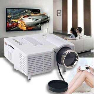UC28 Mini projector