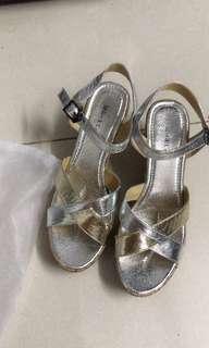 Milan&co 女船踭鞋,只穿一次