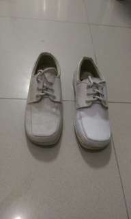 Duty shoes