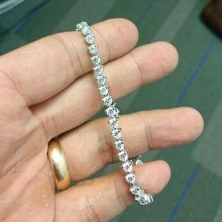 18 Karat diamond bracelet