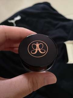 Anastasia Beverly Hills Dipbrow Pomade in Soft Brown