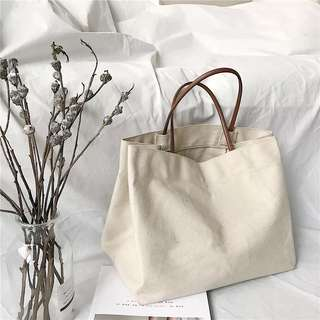 🚚 Cream Canvas Tote Bag