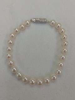 Sea Water Pearl Bracelet with Silver Clasp