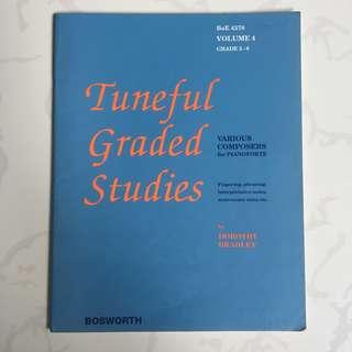 Piano Scores: Tuneful Graded Studies (Grades 5 & 6)