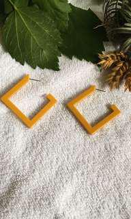 Mustard square earring