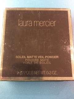 Laura Mercier J Adore Le Soleil powder