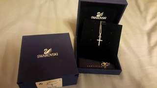 🚚 Swarovski十字架項鍊