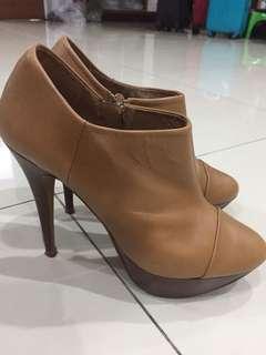 Zara boots heels