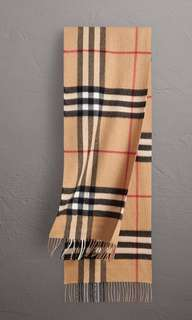 Burberry Classic Cashmere Check Scarf in Camel