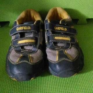Garfield Shoes Guc Price:250 Steal: With Your Price ❎ No Deletion Of Comment ❎ No Cancellation Of Order