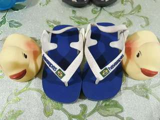 Baby's walking slippers
